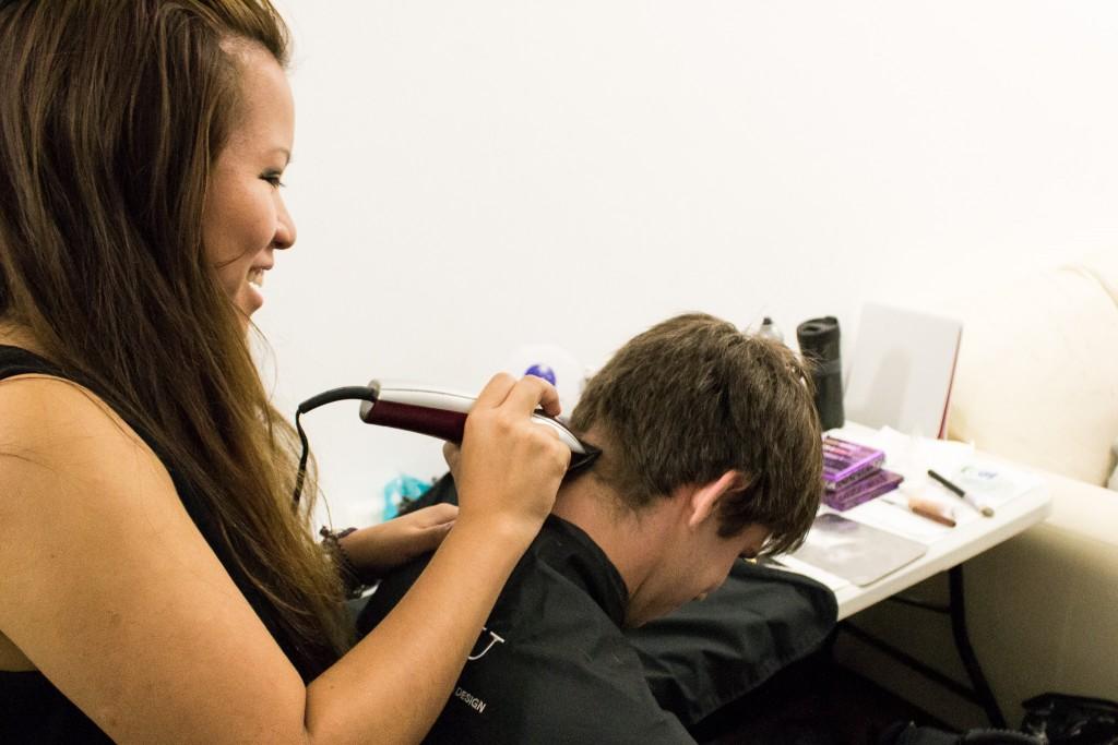 Teresa shaving ben